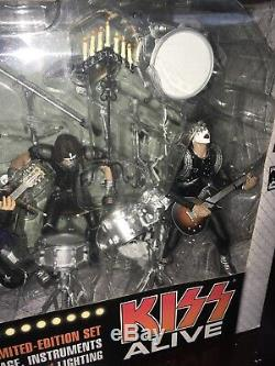 2002 McFarlane Kiss Alive Box Set Limited Edition Stage Lights Instruments
