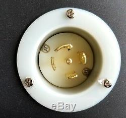 3 Phase Stringer Box, Twist Lock L21-30 I/O X 6 Duplex Edison 120/208Y VAC