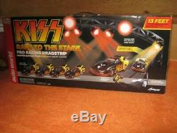 Auto World Kiss Race To The Stage Slot Car Pro Drag Racing
