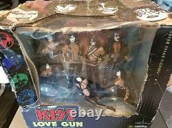 KISS LOVE GUN DELUXE BOXED EDITION SUPER STAGE FIGURES McFARLANE TOYS -NEW
