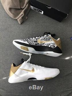 Kobe Proto V Big Stage/Parade Metallic Gold Size 10.5 (CT8014100) New With Box