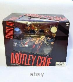 NEW McFarlane Motley Crue Shout At The Devil Deluxe Box Set Figures & Stage